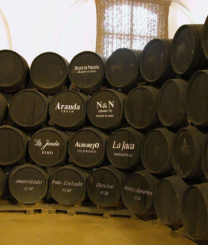 Barriles de vino de la bodega Álvaro Domecq - Terraselecta